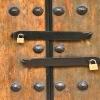 Zwei Schlösser, eine Tür - Multifaktor-Authentifizierung als mehrschichtige Verteidigung  Bild 1